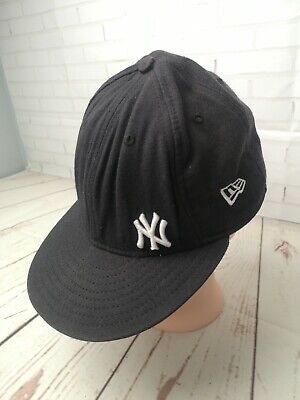 Mens New Era New York Yankee Snapback Cap - Pre-owned, genuine merchandise