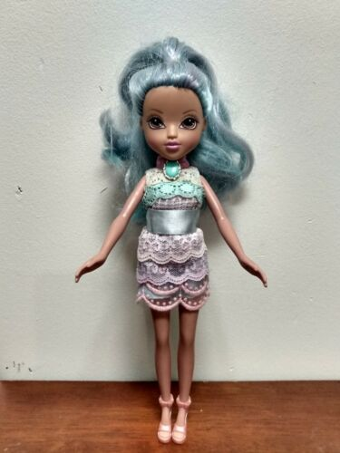 BRATZ Doll Long Blue Hair Cute Outfit/shoes EUC 2009 - $15.00