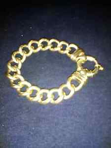 Ladies 9ct braclet Horseshoe Bend Maitland Area Preview