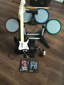 Ensemble Rock Band complet + Guitar Hero PS2