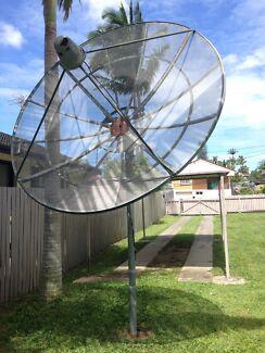 Satellite dish and receiver