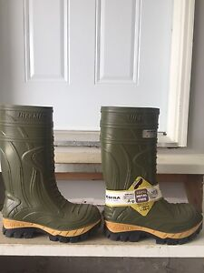 Brand new COFRA rubber boots size 10