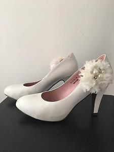 Staccato White Heel with Side Detail Ryde Ryde Area Preview