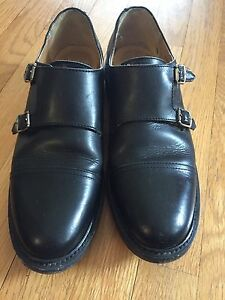 Beautiful Women's Frye shoes, size 8.5B