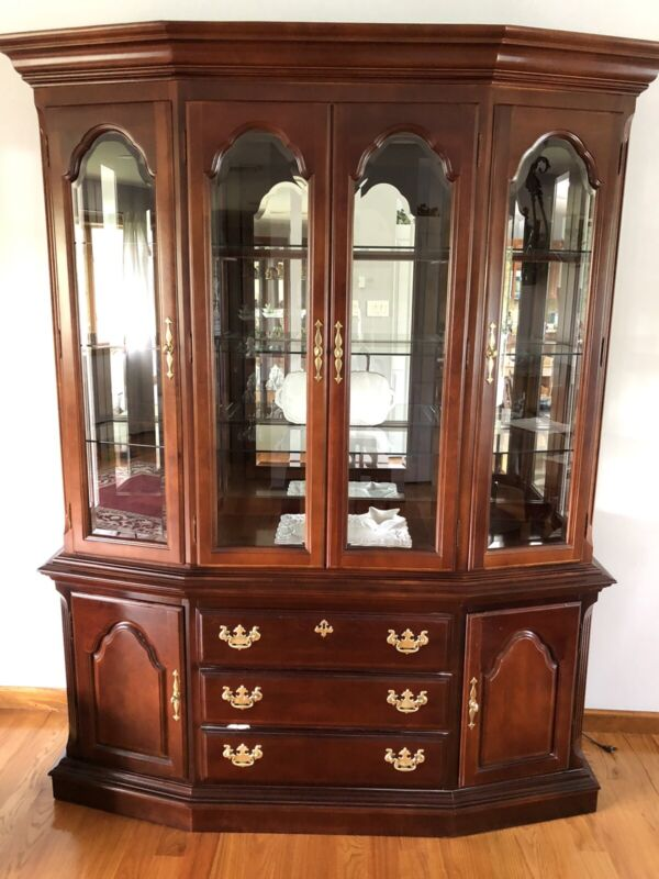 BEAUTIFUL SUMTER CABINET CHINA HUTCH SOLID CHERRY WOOD