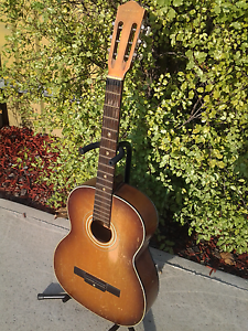 Vintage Yamaha Classical Guitar No10. Albury Albury Area Preview