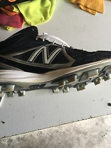 Men's perfect condition baseball cleats size 11.5 Windsor Region Ontario image 4