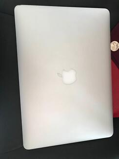 MacBook Air 13 inch early 2015 i5 1.6GHz perfect condition