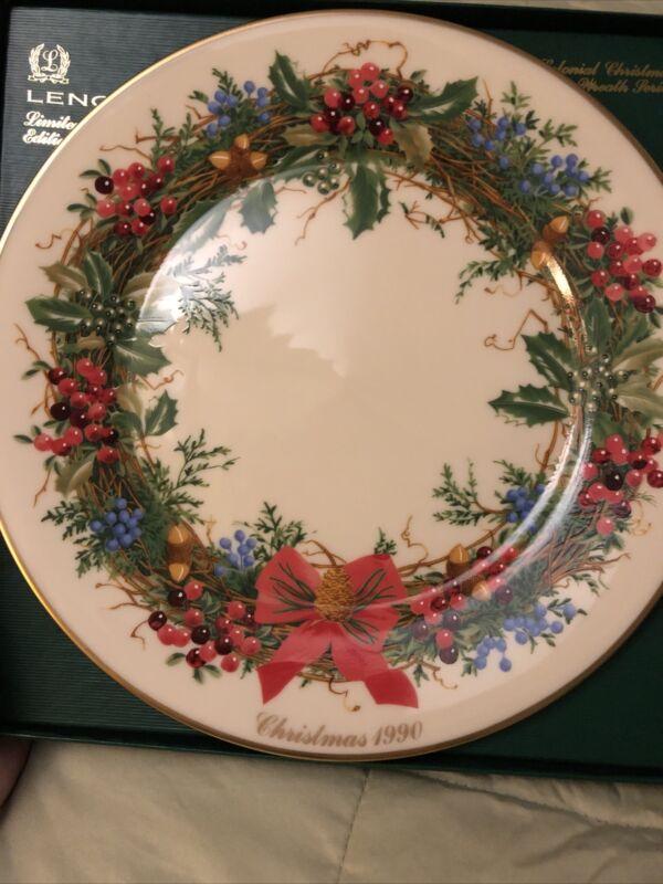 Lenox 1990 Colonial Christmas Wreath Plate w/ Box