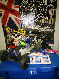 Rc  4WD  Nitro powered off road buggy