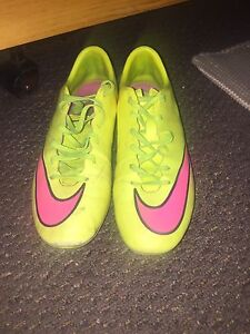 Nike mercurial cleats size 7
