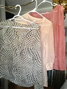 Woman's sz  medium tops