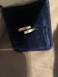 Size 7 Ladies white gold diamond ring