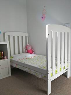 Bassinet/Cot/Toddler Bed with linen and doona