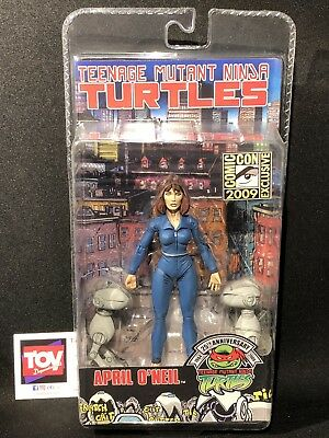 NECA Teenage Mutant Ninja Turtles April O'Neil & Mousers SDCC Exclusive Figure