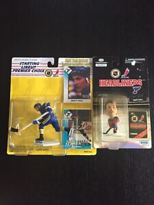 Brett Hull figurines and cards