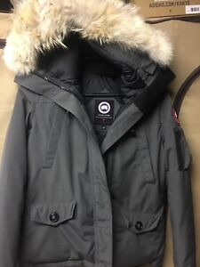 Canada goose montebello, woman's size large