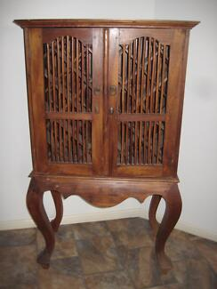 Antique style wine cabinet Toogoolawah Somerset Area Preview