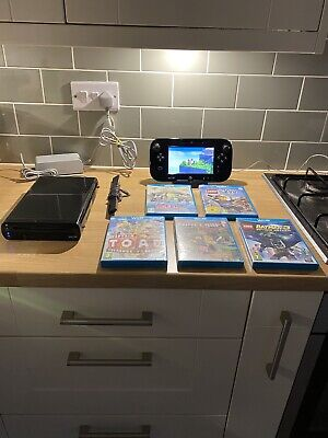 nintendo wii u console bundle With 5 Games