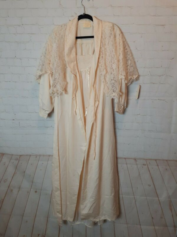 Vintage NWT Pearls And Lace Nightgown Lingerie 3 Peice Set Size Small