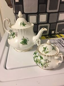 Royal Albert Bone China, Trillium