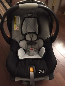Chicco Keyfit 30 Car Seat Plus 2 Bases