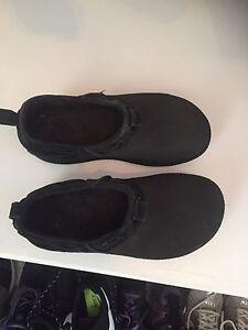 Crocs shoes size 8 women's black