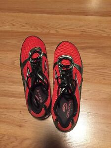 Saucony track and field shoes