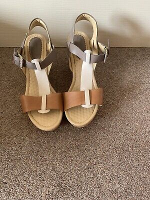 Hush Puppies Summer Holiday Wedge Sandals size 8 Worn Once