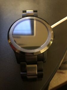 Fossil smart watch ( barely used )