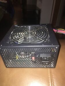 500W power supply. Barely used  DOES NOT HAVE PCI POWER
