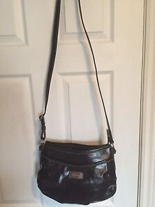 Nine&co. Purse EUC $8