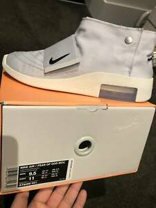Nike Air Fear Of God Moccasin Pure Platinum Size us9.5 brand new