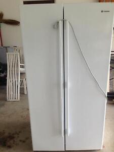 606L Westinghouse fridge freezer Tiwi Darwin City Preview