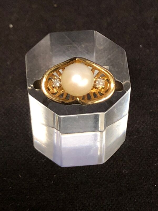 Antique 14k Solid Yellow Gold With Diamonds And 7 mm Pearl