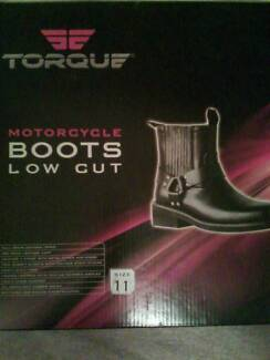 BOOTS ( NEW 11 )