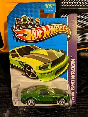 2013 Hot Wheels 07 Ford Mustang Green Super Treasure Hunt w/Protector Box Ship