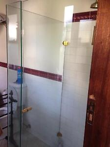 Frameless shower screen to fit 900x 900 base Aspendale Kingston Area Preview