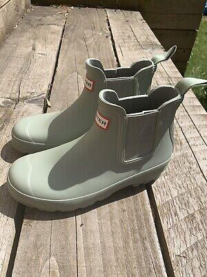Hunter Short Chelsea Wellington Boots Size 6 Ladies Sage Green