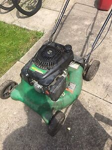 Weed Eater lawn mower 140cc NOT RUNNING