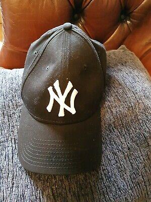 Black ny baseball cap New Era