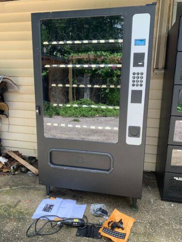USI 3535 Mercato 5 Wide Dual Spiral Industrial Parts Vending Machine