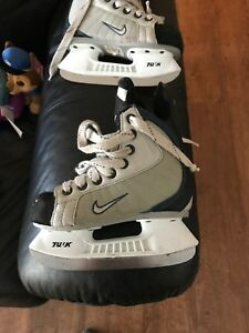 Hockey skates size 11
