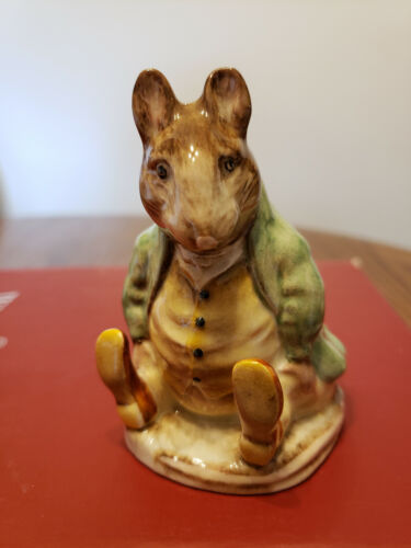 Beswick England Beatrix Potter SAMUEL WHISKERS  Gold Oval