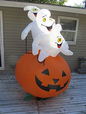 8 Foot Gemmy Lighted Airblown Inflatable Halloween Ghost Ribing Pumpkin