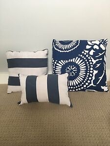 Decorative Throw Pillows with Outdoor Material