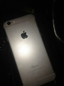 *Iphone 6 excellent condition 260$*