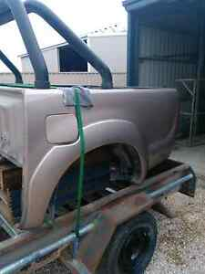 Hilux tub sports bar tub liner 2010 sr5 Yorketown Yorke Peninsula Preview