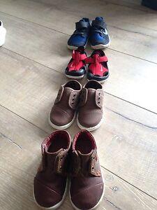 Boys shoes (size T5)