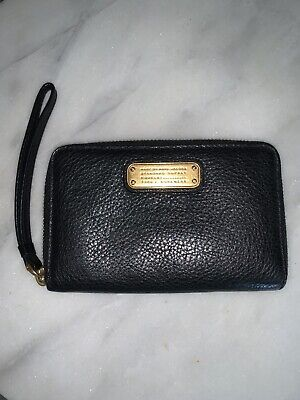 Marc By Marc Jacobs Black Leather ZIP Around Wallet Clutch Wristlet